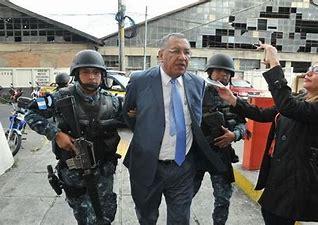 Risultato immagine per Guatemala queman la sede del Congreso